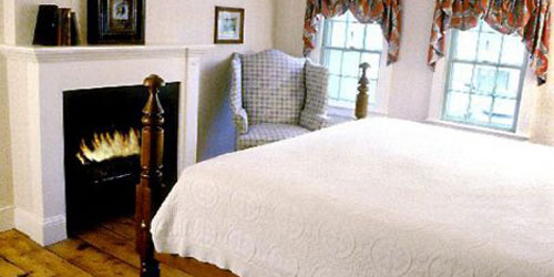 Superior Suite 500x250 - Griswold Inn - Essex, CT