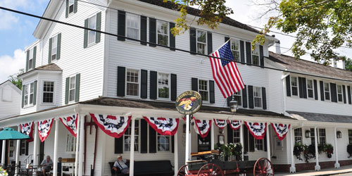 Summer Front View 500x250 - The Griswold Inn - Essex, CT