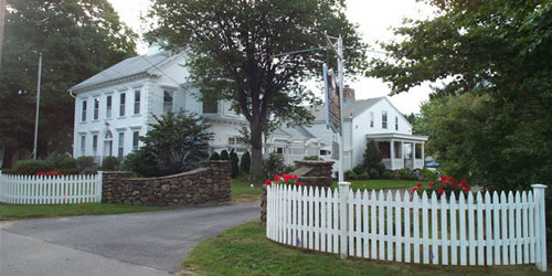 Entrance View 500x250 - Captain Stannard House B&B - Westbrook, CT