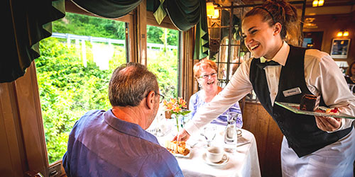 Fine Dining 500x250 - Essex Steam Train & Riverboat - Essex, CT