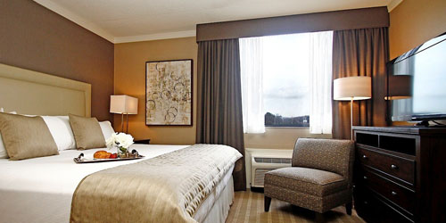 King Room 500x250 - Ethan Allen Hotel - Danbury, CT