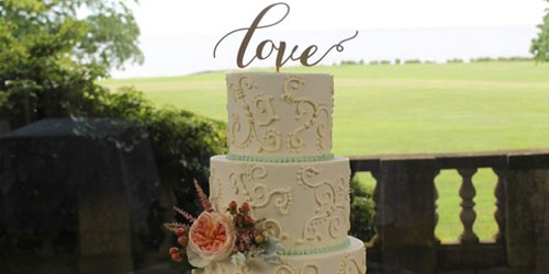 Outdoor Wedding Cake - Hilton Mystic - Mystic, CT