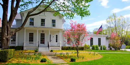 Front View - Old Lyme Inn - Old Lyme, CT